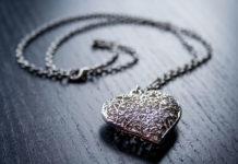 Biżuteria, czyli idealny prezent dla każdej kobiety