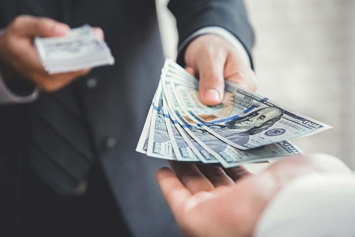 Pożyczka przez internet. 3 zasady bezpieczeństwa